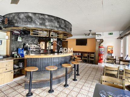 Café-restaurant au coeur du village de Riddes 1/5